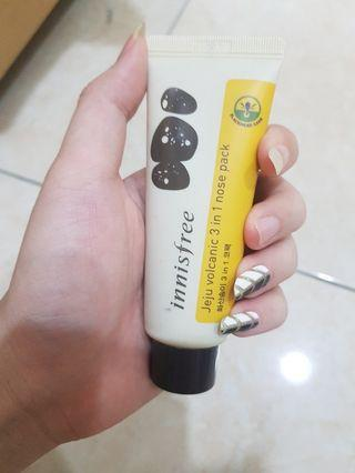 Innisfree Jeju Volcanic 3 in 1 nose pack