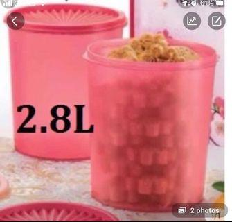 Tupperware 2.8L canisters