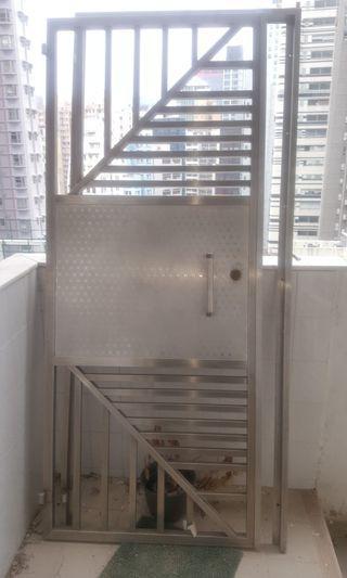 70kg stainless steel swing security gate70kg不锈钢秋千安全门