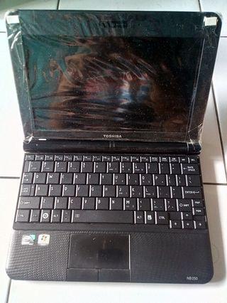"""thosiba nb250 10.1""""inch wide screen ex cewe (mulus pisan)👍"""