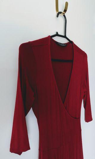 🚚 Dorothy Perkins deep red dress