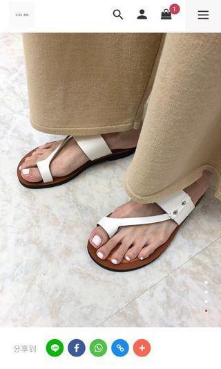 301am 韓國東大門代購 不對稱白拖鞋38號 轉售