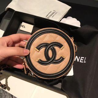Chanel 杏色小圓餅袋