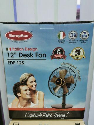 Europace 12 inches Desk Fan. Super strong wind!