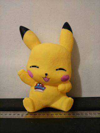 Pokemon Coin Box Pikachu (Close Eyes)