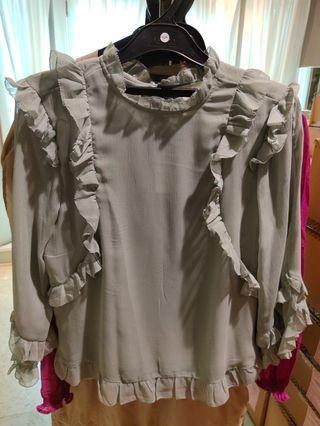 H&M Ruffle blouse