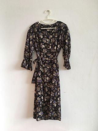 Flower dress with tie ribbon size M-L