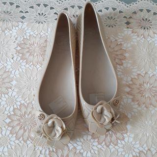 Sepatu jelly TORY BURCH Fleming abu-abu grey