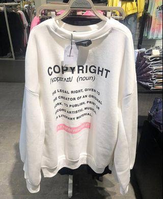 Copyright Sweater Bershka
