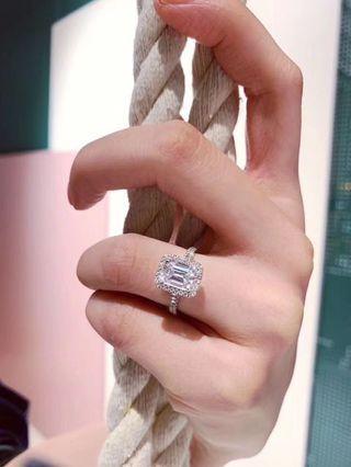 2卡高碳鑽戒指
