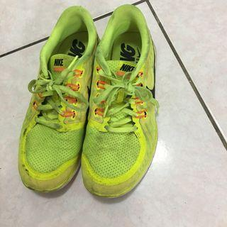 Nike free 運動慢跑鞋
