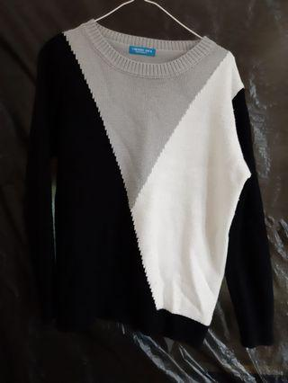 🚚 韓國黑白灰拼色 毛衣