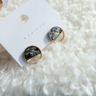 Korea Gemstones Ear Studs in Black Swirls