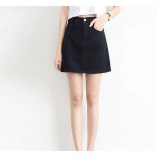 Basic Denim Skirt in Black