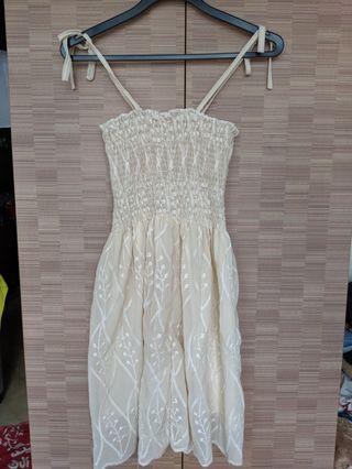 Cream Lace Patterned Dress
