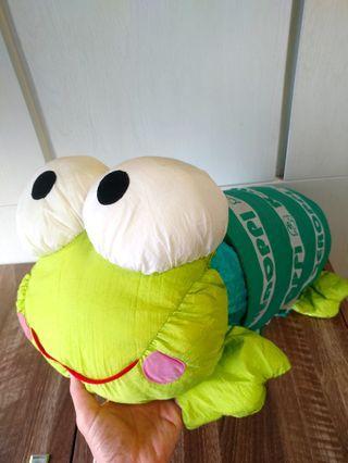 Sanrio keroppi kp青蛙 娟面摟枕