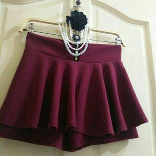 近新酒紅裙褲