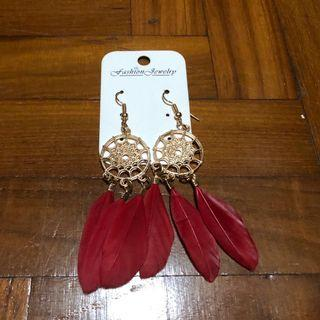 🚚 Tribal Red Feather Dangling Earrings