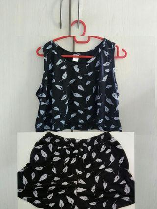 Two pieces one set $7