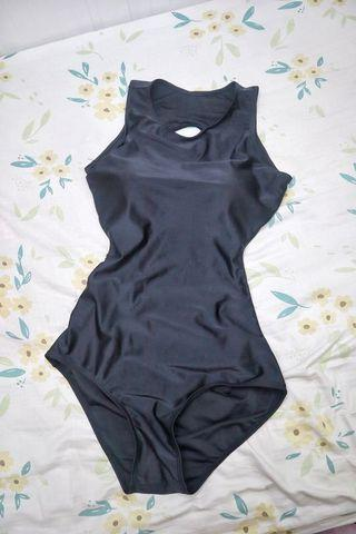黑色連身露背女裝泳衣