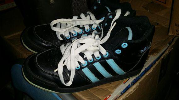 Adidas size 38 sport shoes (short basketball boot type) (US 6.5), 38碼(美碼6.5)運動鞋 (短桶篮球鞋式),屯門交收,或順丰到付  ,trade in Tuen.Mun.station
