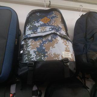 5526 迷彩背囊 Backpack