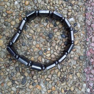 Magnetic-stone bracelet