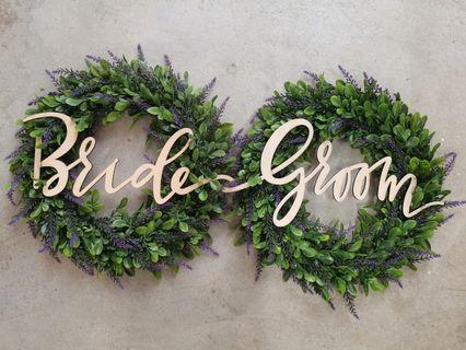 🚚 Bride Groom Wreath Sign