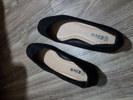 🚚 Blessing Black shoes flats woman(Preloved)