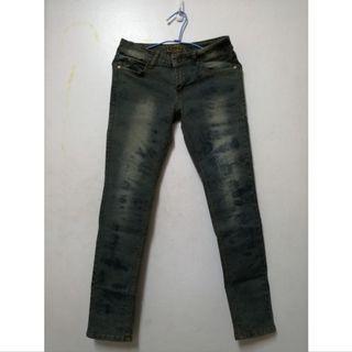 復古色牛仔褲