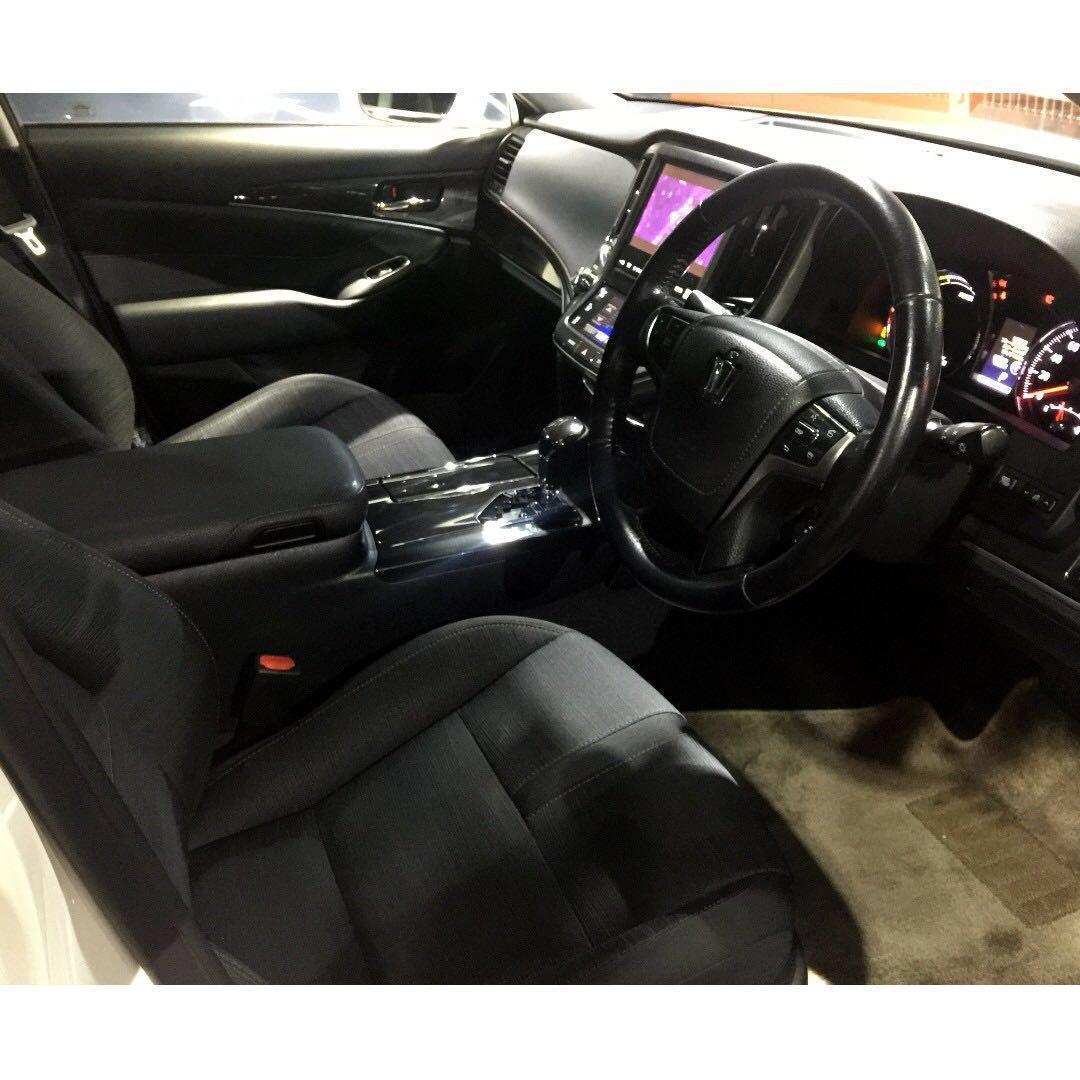 正2014 制Toyota Crown Athlete S Hybrid  2.5