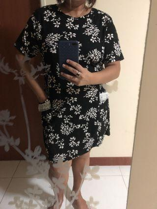 Plus size brand new floral dress
