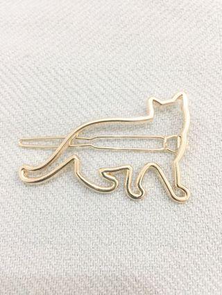 Cat hairpin