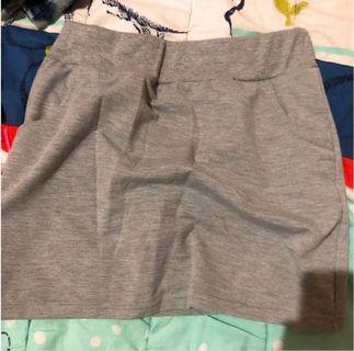 灰色褲裙🕊