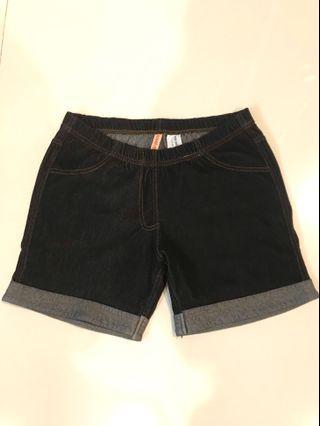 Jegging celana pendek