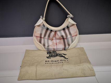 🚚 Burberry Ladies Handbag