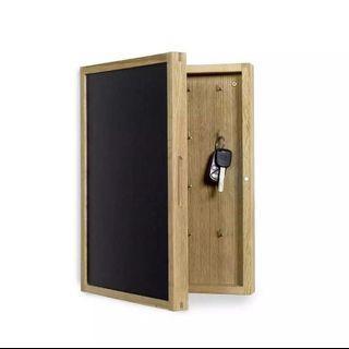 🚚 NARVIK key cabinet with blackboard