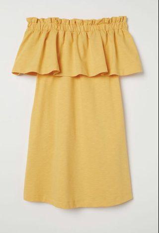 H&M off-shoulder dress WITH POCKETS