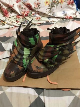 d99ca78f45af4 jeremy scott | Travel | Carousell Philippines