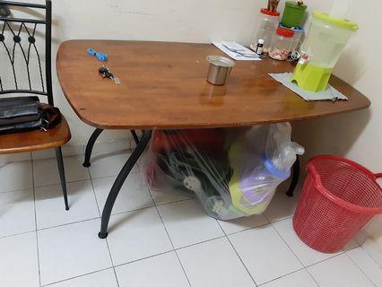Katil, almari,meja makan