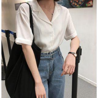 🚚 白色V領襯衫