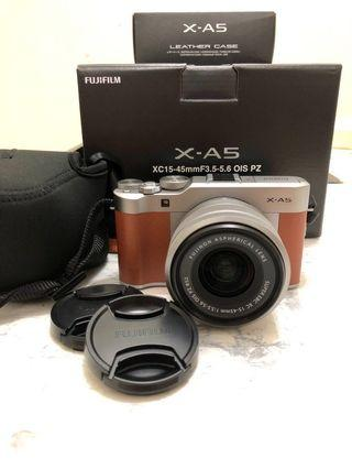 Fujifilm X-A5 with Kit Lens