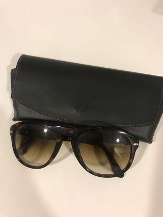 🚚 Woman Persol Sunglasses