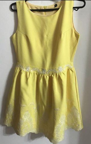 🚚 Yellow Embroidery Dress