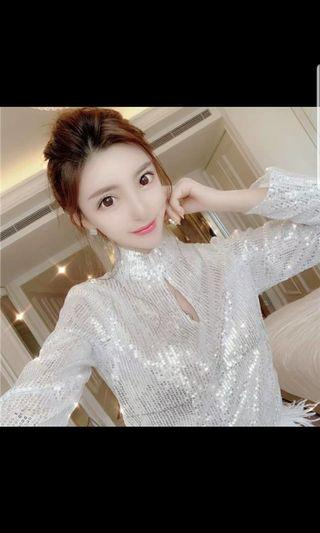 🚚 Sparkle white night out top