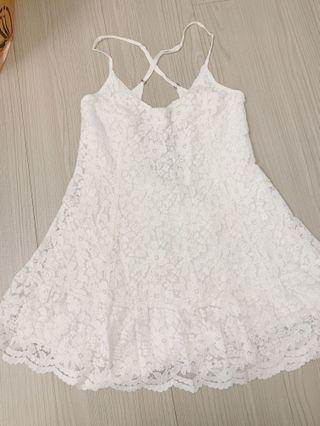 A&F 白色蕾絲小洋裝
