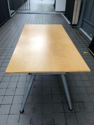 Good solid  wood table TOP and leg