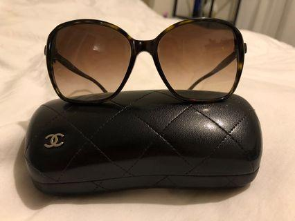 Chanel Sunglasses Model OCH5205A