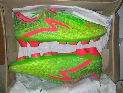 Sepatu bola Specs Swervo Dragon Green