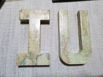 🚚 I and U Letters wrapped with map